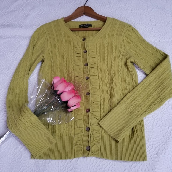 Eddie Bauer Sweaters - Eddie Bauer pea Pea Green Cable Knit Cardigan